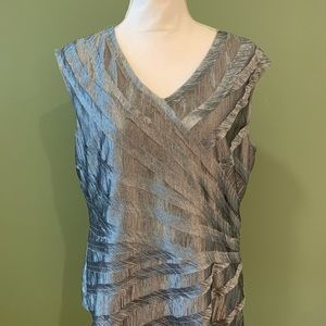 Anne Klein silver tiered sleeveless blouse Sz L